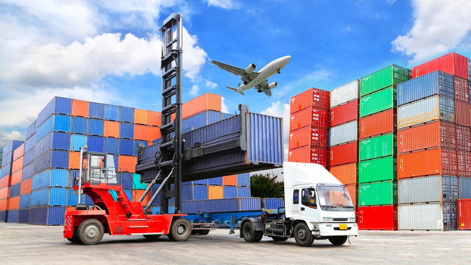 Freight-forwarder-and-Nvocc.jpg