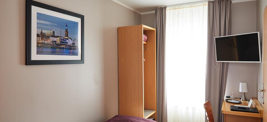 Hotel_Hafentor_2019_Zimmer402_07.jpg