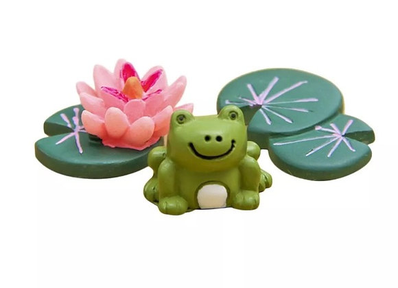 Fairy garden frog and Lilly pad