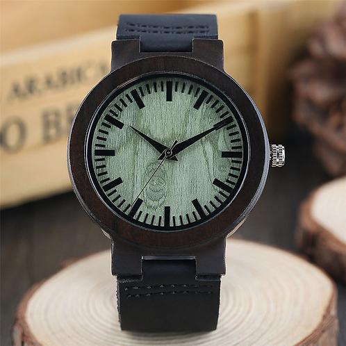 Orologio in legno naturale e cuoio nero con interno verde