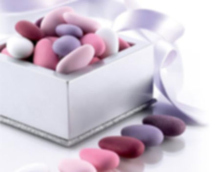 mandorla-intera-pelata-sfumati-rosa-gocc