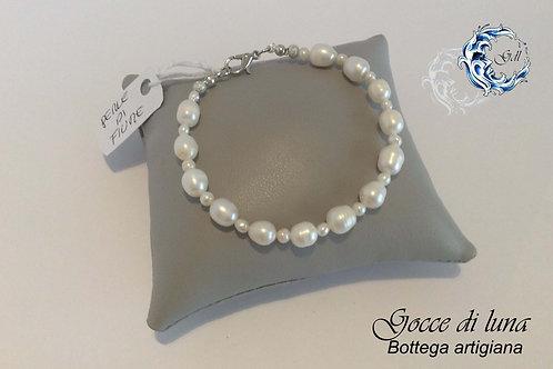 Bracciale perle bianche due misure
