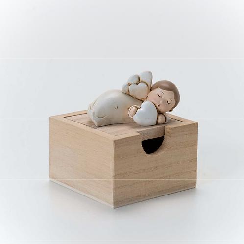 Angioletto panna su scatola in legno