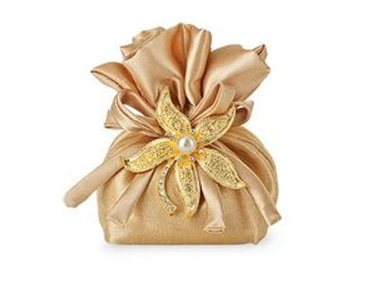 Sacchetto dorato con spilla