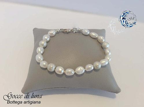 Bracciale perle bianche e acciaio satinato