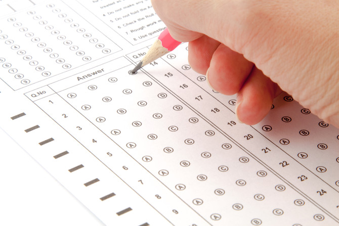 Can you justify the score you give a candidate in a test?