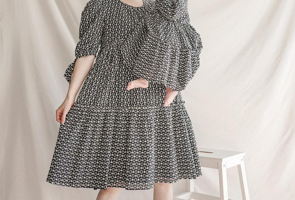 法式泡泡袖公主裙 Navy Midi Dress