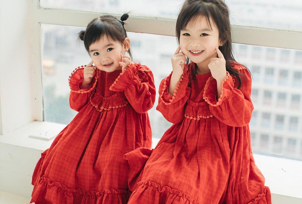 家裡都能穿的復古連身裙 Wild Cherry Dress