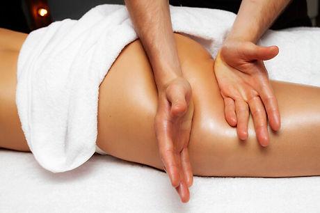 anti-cellulite-massage-thighs-close-up-p