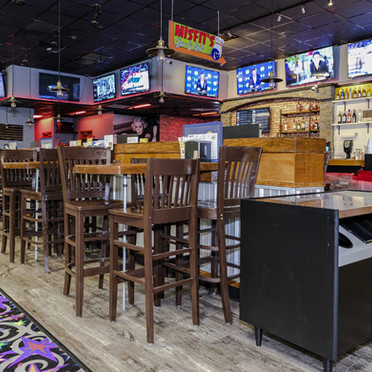 Misfits Bar & Grill