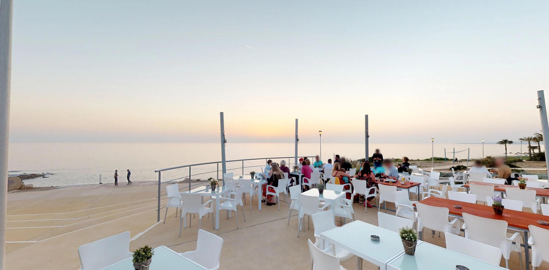 Baracas-Lounge-The-Veranda.jpg