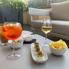 aperitivo-and-rooftop-drinks-at-sunset4.