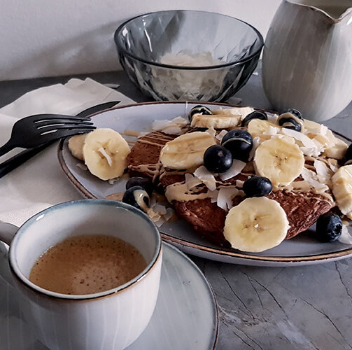 Schoko Pancakes mit Topfen und Kokos