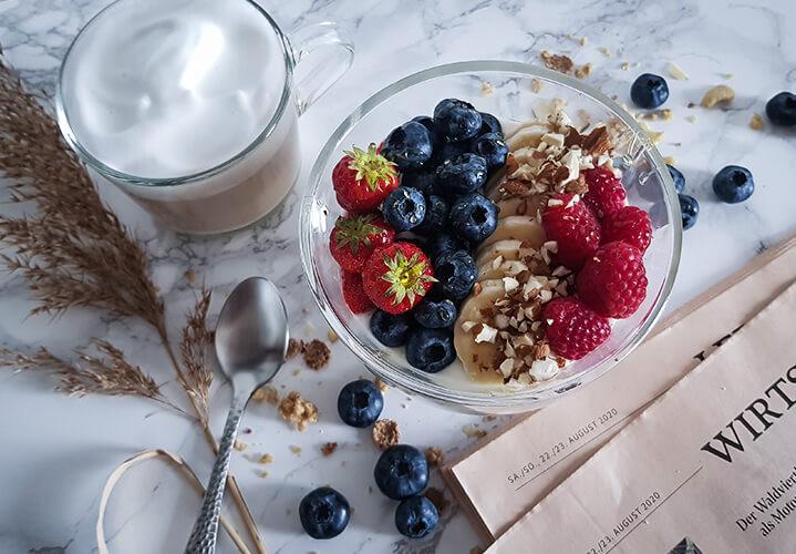 Topfen-Joghurt mit Obst - Selbstgemacht