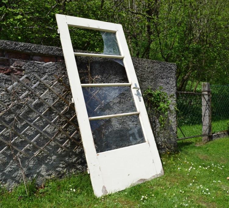 Vintage Gartenecke alte Türe