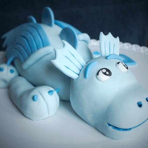 Süßer Babydrache als 3D Torte, nicht nur für Kinder