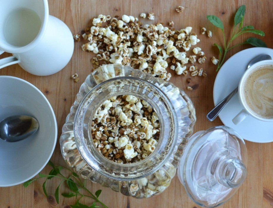 Selbstgemachtes Müsli mit Popcorn Titelbild