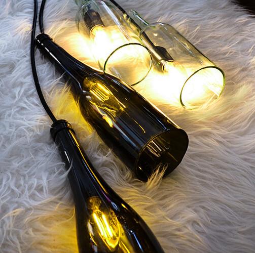 Lampe aus Weinflaschen selber bauen – DIY Anleitung
