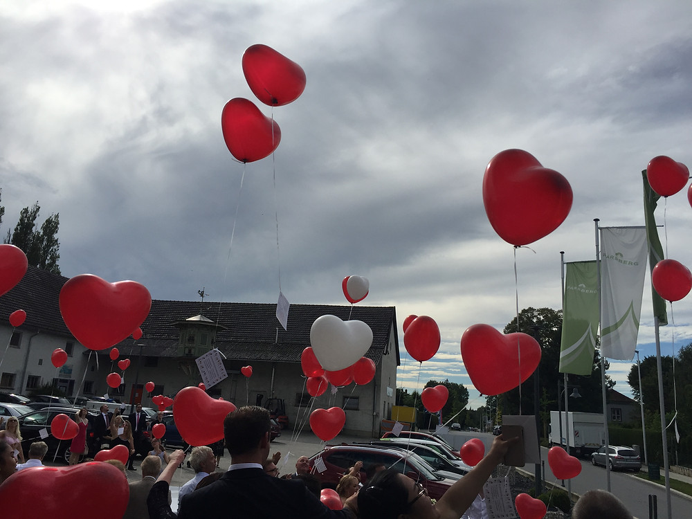 Luftballons Start bei Lisa und Dominik in Puchheim