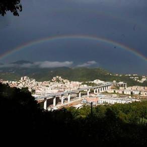 新生ジェノヴァ橋に架かる虹