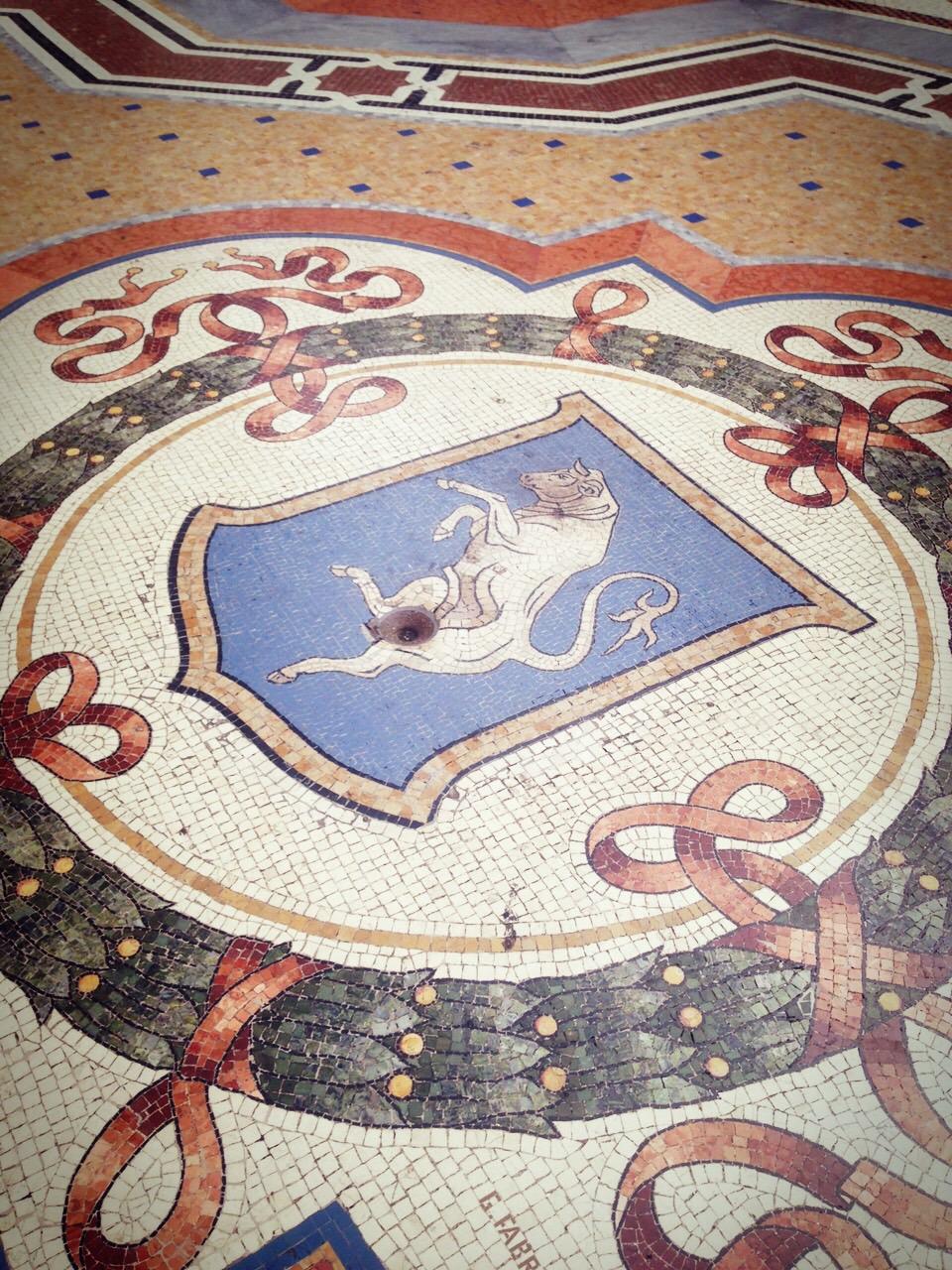Milano Galleria i pavimenti marmi