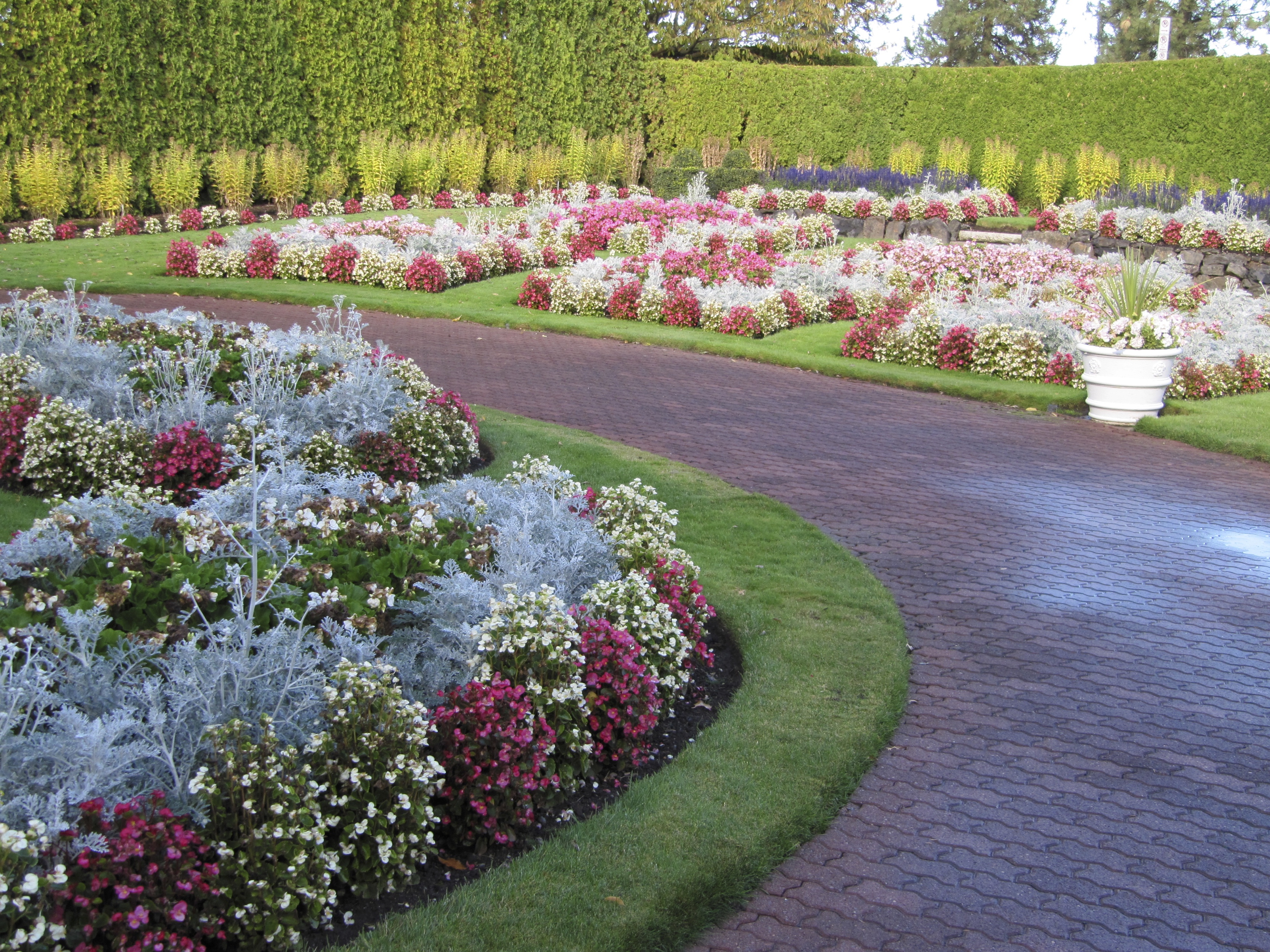 Matthews-Woldson Gardens