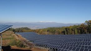 雄国太陽光発電所の架台 ・ 基礎工事