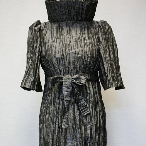 Платье из гофрированной ткани