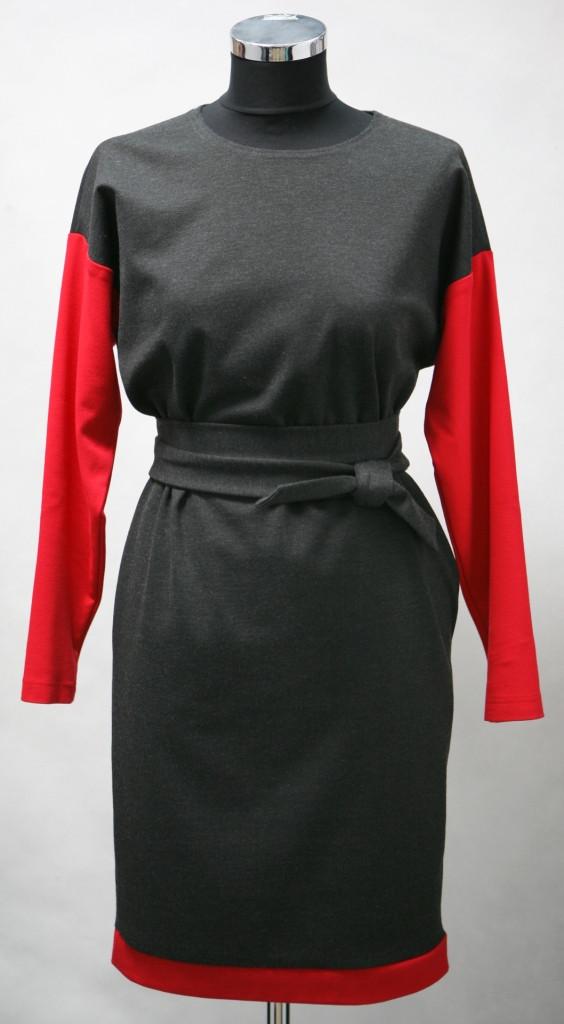 Платье-ромб с красными рукавами