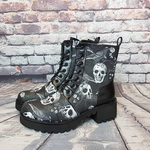Skulls and raven women ankle boots