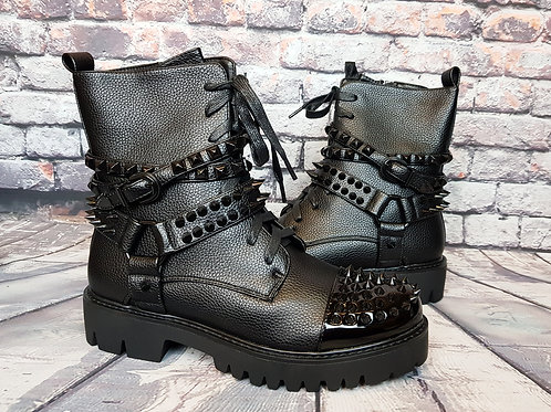 Spikey gothic women ankle boots