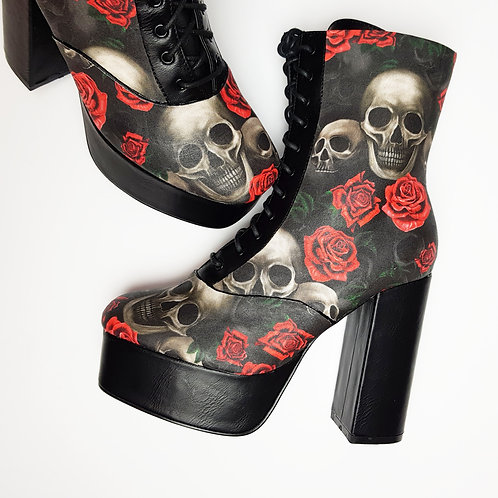 Skulls and roses boots, platform ankle boots