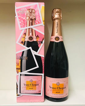 12 Veuve Clicquot Ponsardin Rose NV 75cl