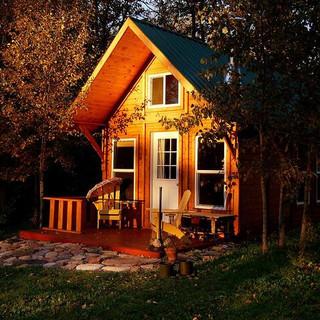 Backyard-suite.jpg