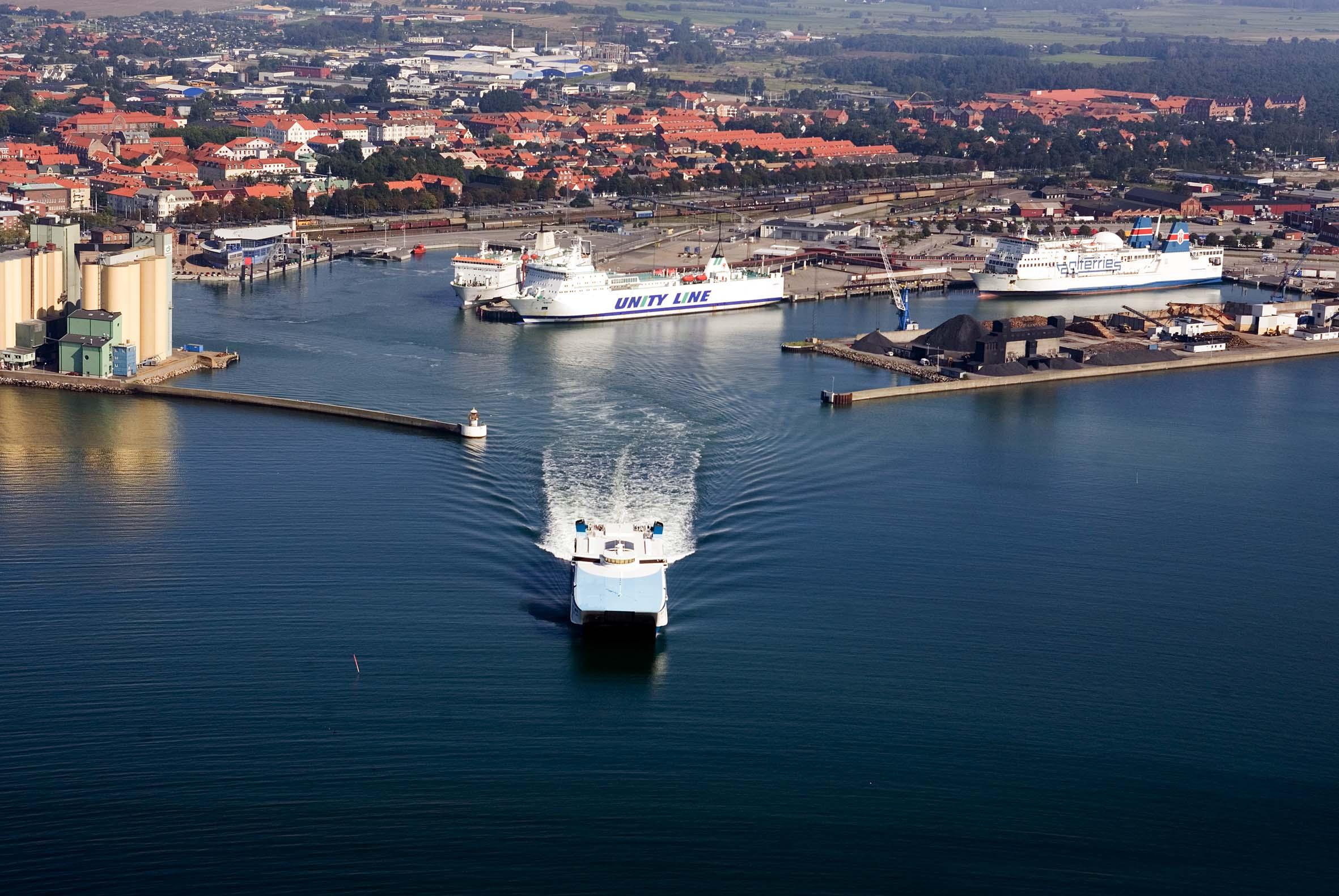 Ystad_Havn_(11853143523)