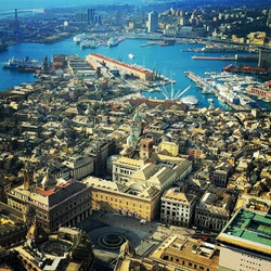 Панорамный вид города Генуя.