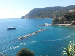 Голубизна моря .