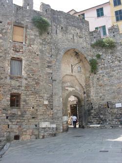 Старые ворота Портовенере.