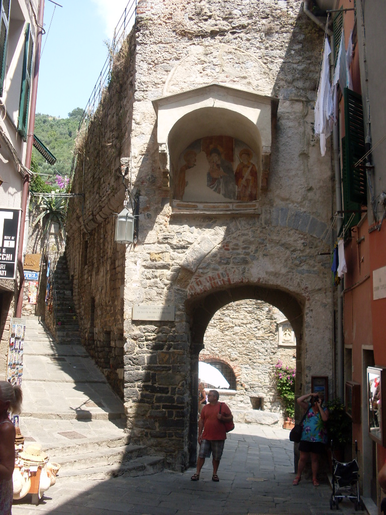 Ворота городка.