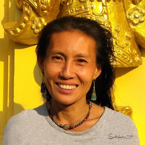 collier et perle tibétaine