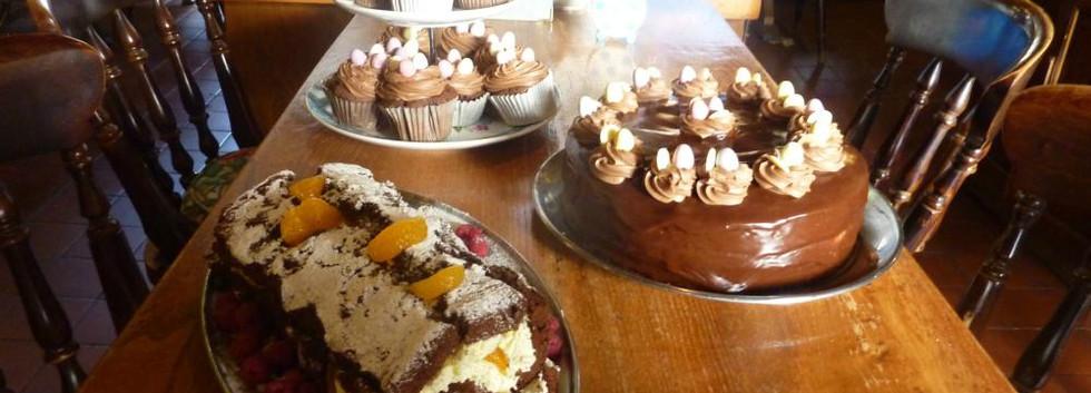 cakes_1000x550.jpg