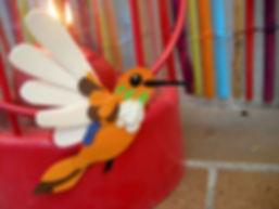Colibri orange en papier découpé