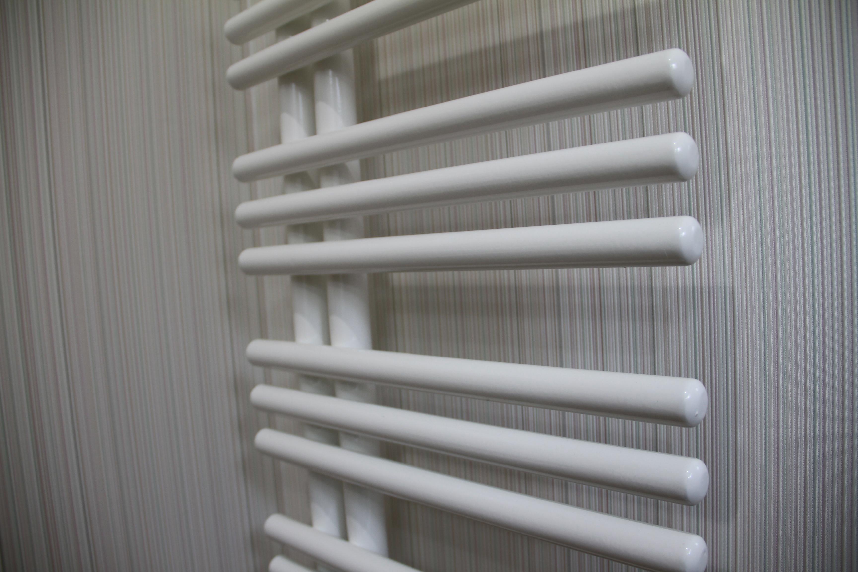 洗面脱衣室の暖房はタオルウォーマーを兼ねて 全戸共通