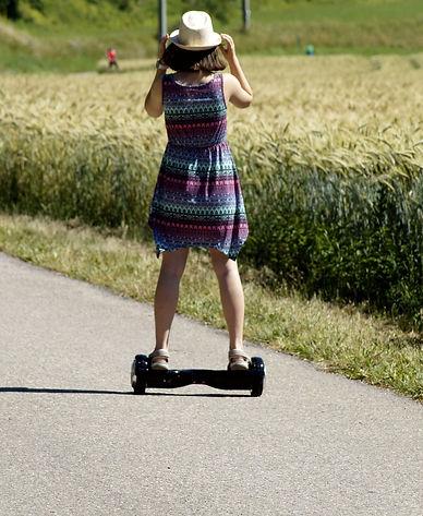 hoverboard-3542340_1920_edited.jpg