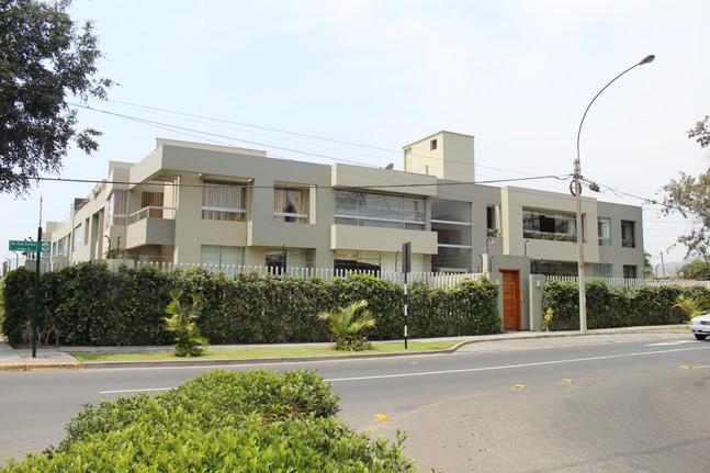 Edificio Raul Ferrero, La Molina