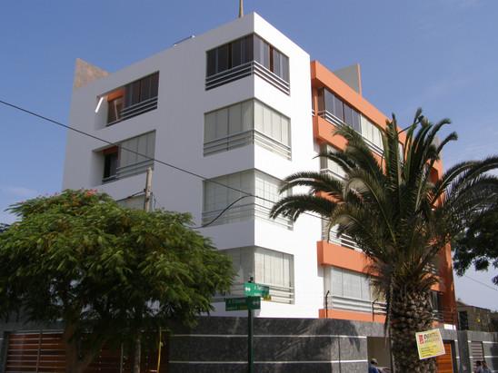 Edificio Arantxa 1, Surco