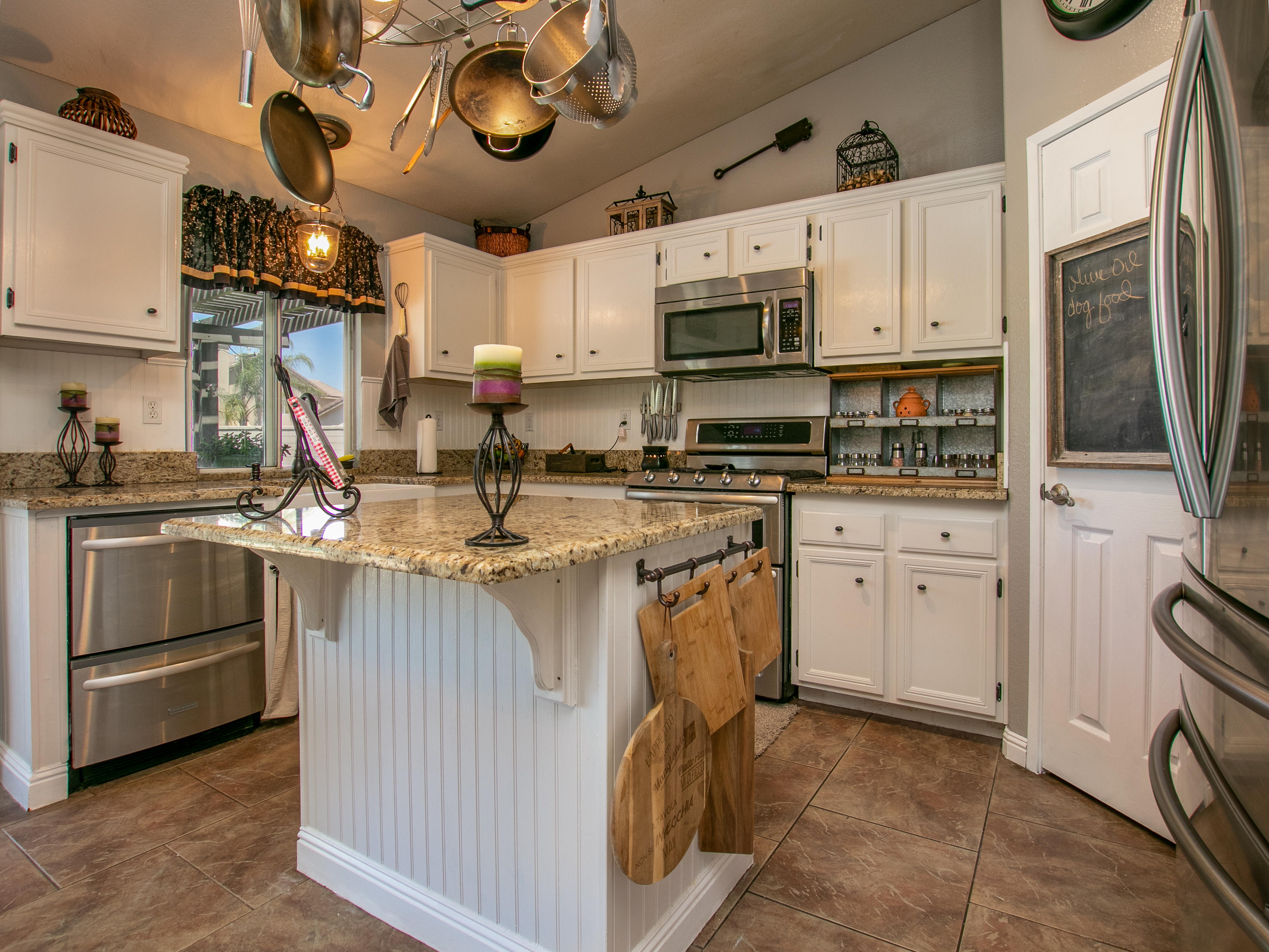 Glissant kitchen 2