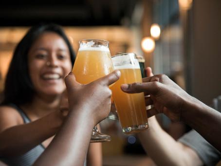 Vamos comemorar, pois hoje é o Dia Internacional da Cerveja!