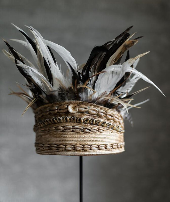 MUST LIVING, DEKO Balinese hat with shell and feather 1