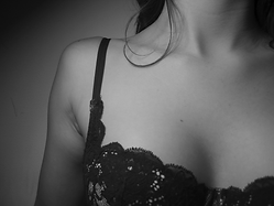 Black-and-White-Lacey-Bra.png